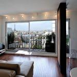 Un appartement à Paris avec vue sur la tour eiffel