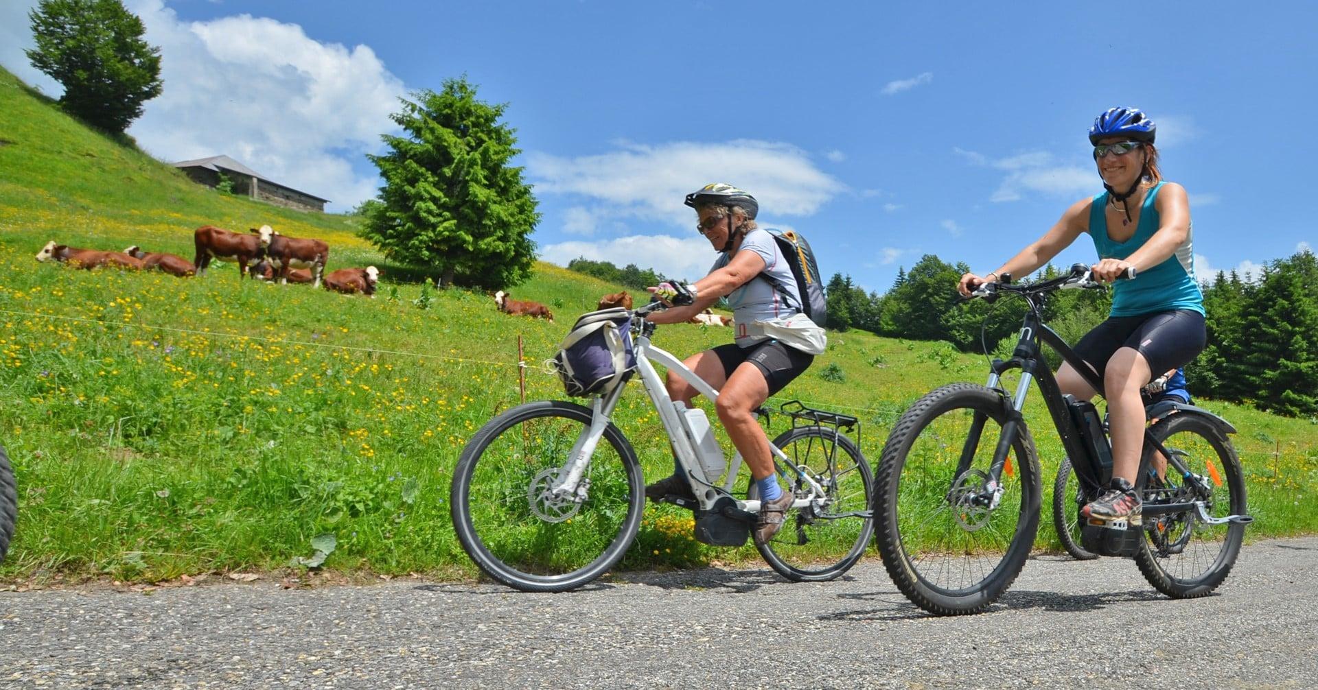 Un tour avec des vélos électriques