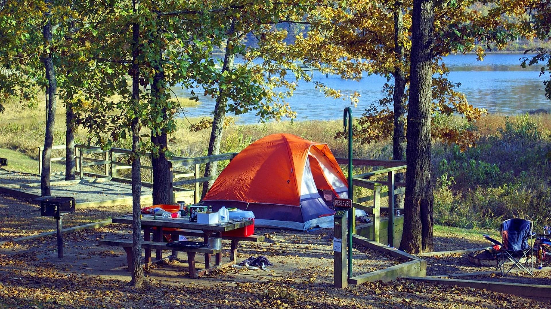 6 bonnes raisons de partir en vacances au camping facefull news. Black Bedroom Furniture Sets. Home Design Ideas