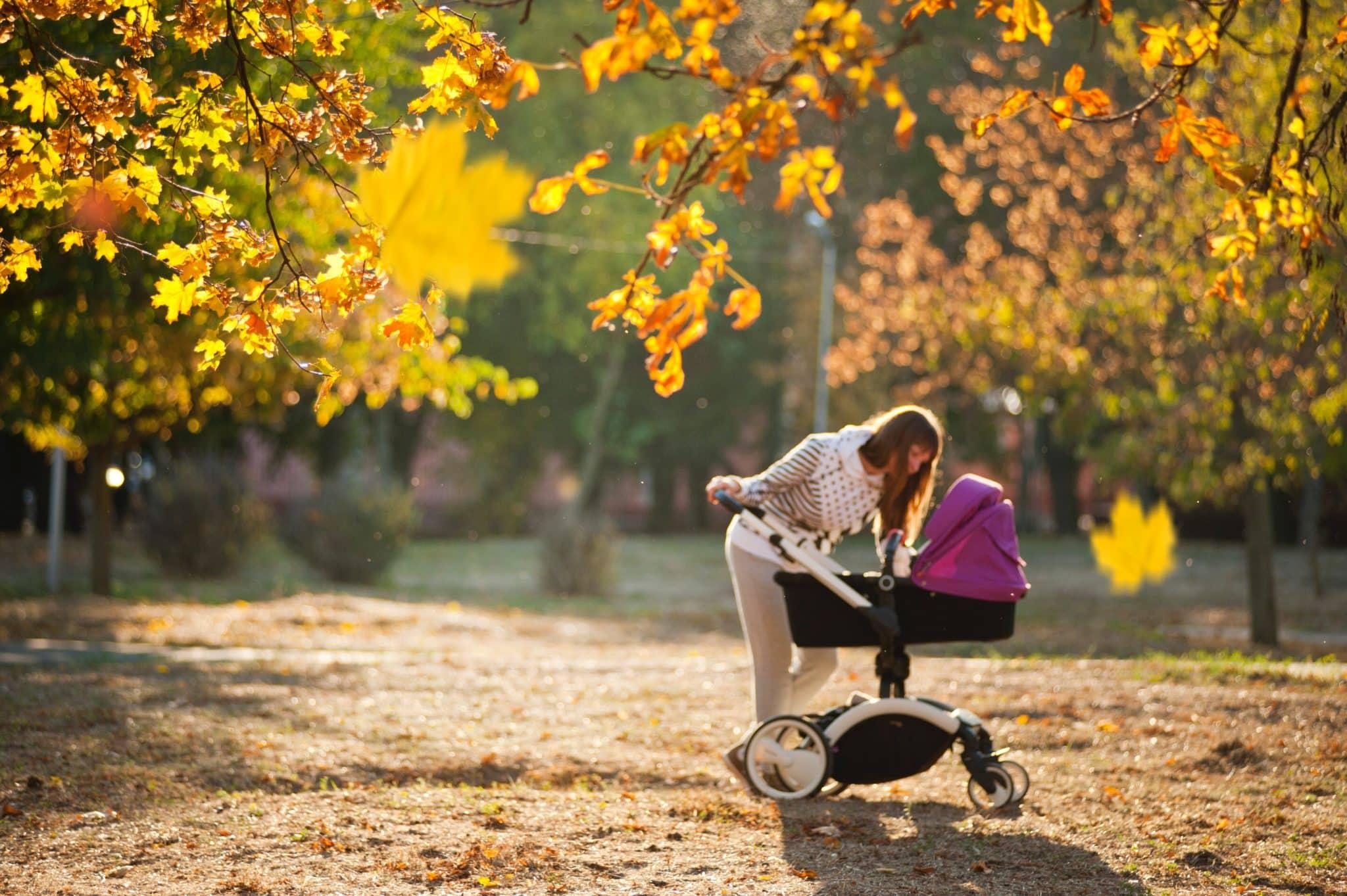 Promener le bébé en poussette trio