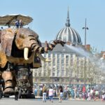 Un grand éléphant artificiel à Nantes