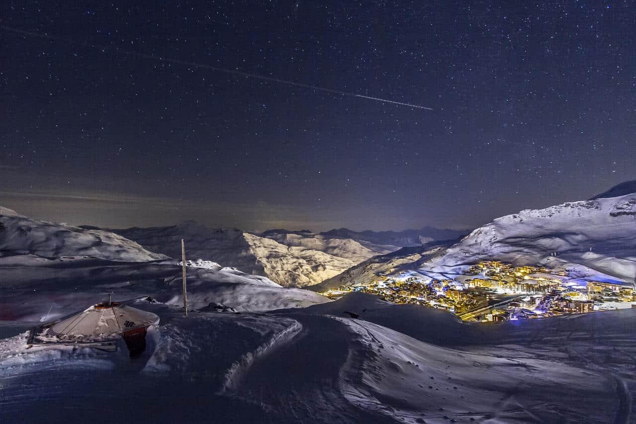 Vue nocturne de la station de ski Val Thorens