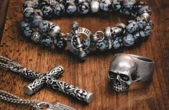 Comment affirmer sa masculinité avec des bijoux rock?
