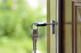 Pourquoi choisir l'aluminium pour votre porte d'entrée ?