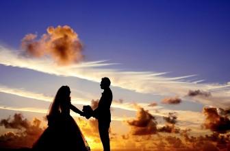 A la recherche d'un costume pour le marié
