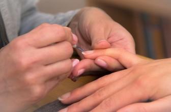 Ongles dédoublés : traitement et solution
