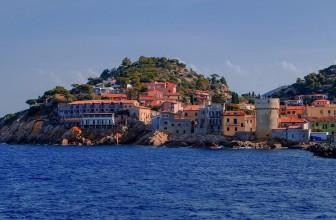 Longez la Méditerranée en bateau pour découvrir ses trésors