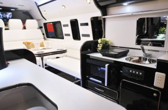 Un retraité s'offre un impressionnant camping-car… mais ne peut circuler avec !
