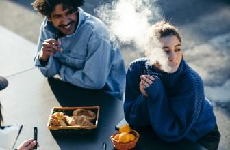 Comment enlever les odeurs de fumée de cigarette dans la voiture, sur les vêtements et dans les cheveux ?