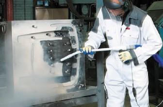 Différence entre le nettoyage cryogénique et les méthodes traditionnelles