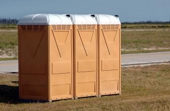 Louer des sanitaires mobiles pour un événement public, est-ce indispensable?