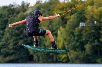 Sports de glisse : quel matériel emporter pour les vacances ?